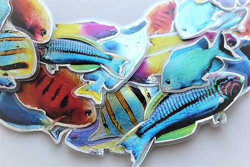 Collier mit Fischen Makro