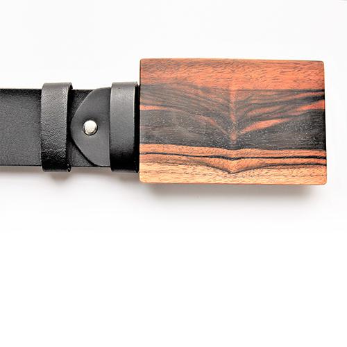 Designergürtel mit Gürtelschnalle aus Makasarholz