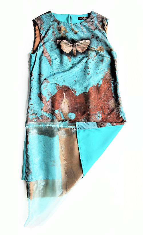 """""""Frühlingscoktail"""" Sommerkleid mit Smetterlind mit Schmetterling in türkis-blau von Hinten"""