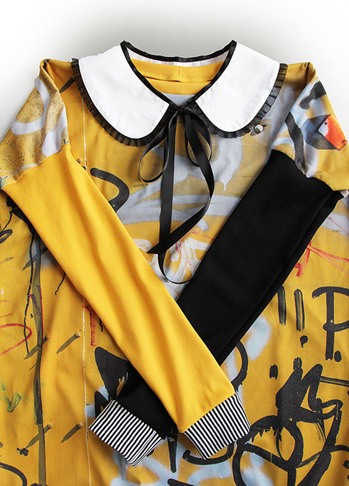 Graffiti Kleid mit Bubikragen