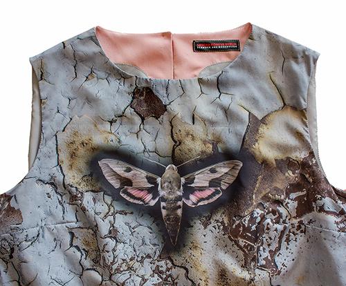 """""""Frühlingscoktail"""" Sommerkleid mit Smetterlind mit Schmetterling in rosa-blau Produkt"""