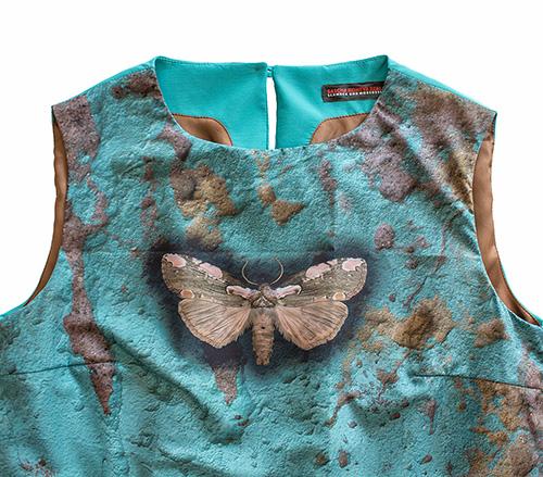 """""""Frühlingscoktail"""" Sommerkleid mit Smetterlind mit Schmetterling in türkis-blau Makro"""