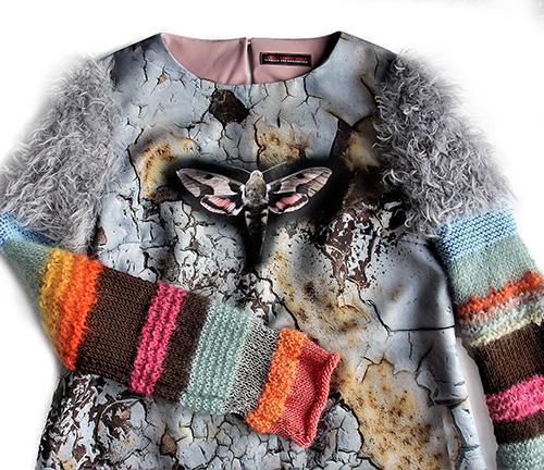 Winterkleid 10 mit Print Und gestrickten Ärmeln als Produkt