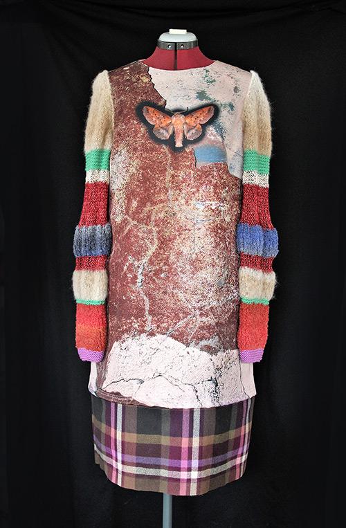 Winterkleid 4 mit Print Und gestrickten Ärmeln als Produkt