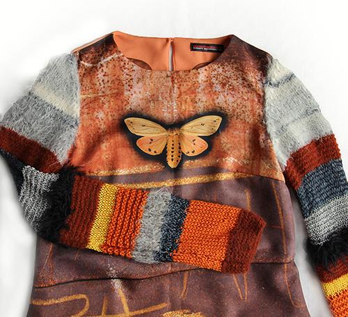 Winterkleid 7 mit Print Und gestrickten Ärmeln als Produkt