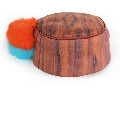 Hütchen mit Bommeln in orang und türkis. Produktansicht. Stoff, Design saschakonevaberlin