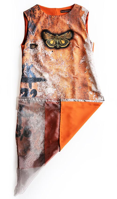 Ärmelloses Kleid mit Schmetterling Motiv von Hinten