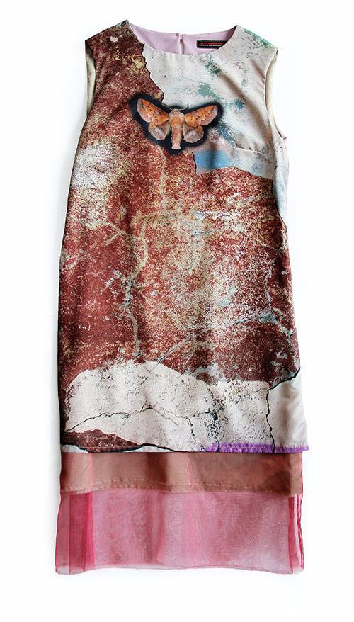 Ärmelloses Kleid mit Stoffprint Schmetterling Motiv von Vorne